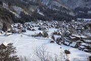 展望台から見た雪の白川郷
