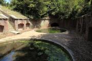 友ヶ島の砲台跡に水が溜まっている光景