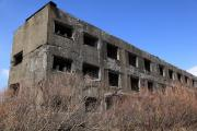 松尾鉱山、朽ちたアパート跡